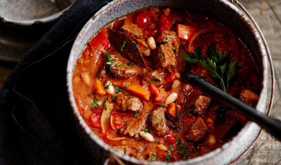 Slow Cooker Hearty Beef & Vegetable Casserole
